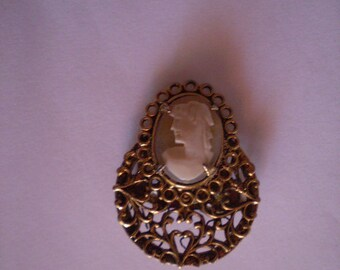 vintage Hand Carved SMALL CAMEO Pin