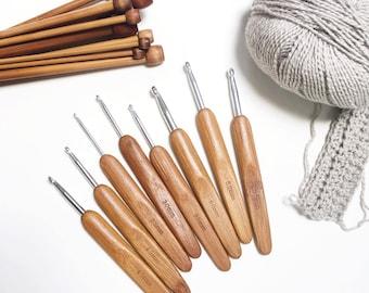 Bamboo crochet hook set, Bamboo handles aluminum crochet hooks, ergonomic bamboo crochet hooks