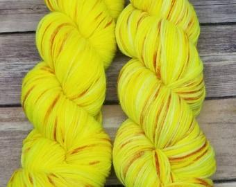 Sock Yarn - Superwash 75/25 Merino/Nylon - Kettle Dyed - Electric Peach Pit