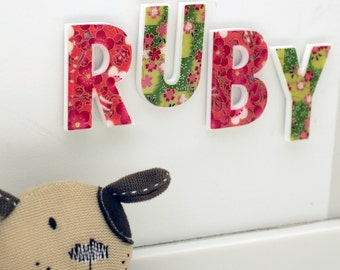 decorative letters for kid's room - green/red