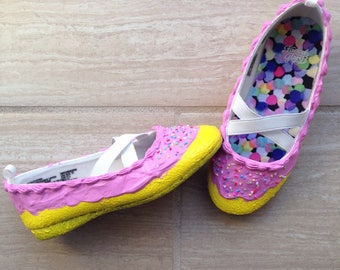 Sweet Kicks Kidz // Cupcakes, Cupcake Shoes, Dessert Shoes, Handmade, Kawaii, Girl Shoes, Pink Frosting, Custom Shoes, Clay Sprinkles, Donut