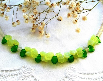 Art Deco, green glass, flowers necklace, hand made, bib necklace, vintage
