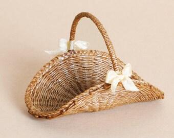 Dollhouse miniature, Wicker flower basket, scale 1 : 12, WC/901