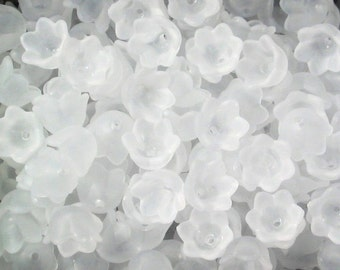 30 Frosted Acrylic Tulip Bell Flower Beads - White - 10mm