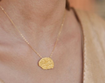 Gold Brain Necklace, Anatomical Brain, Human Brain Necklace, Brain Charm, Science Necklace, Brain Surgery, Medical Necklace, Brain Gift