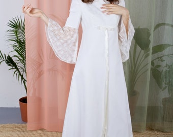 La Bettine - 1960s bell sleeve wedding dress