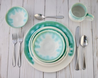 Dinner Plates, Brilliant White and Emerald, Ceramic