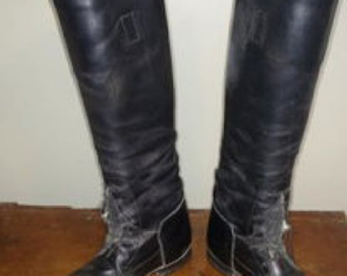 Der Dau black field boots