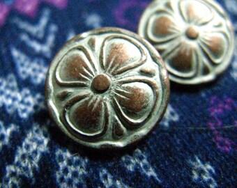 Clover Metal Buttons - Set 10 Cutie Copper White Patina Clover Buttons, 0.59 inch.
