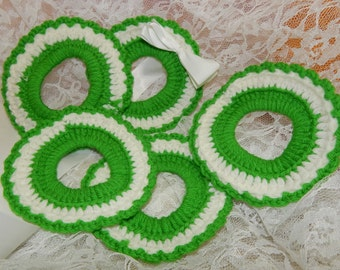 5 Green and White Crochet Circles / Doughnuts Candle Rings, Wreath Decor, Christmas Ornaments