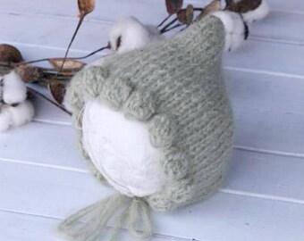 Knitting PATTERN- Newborn Beatrice Bonnet