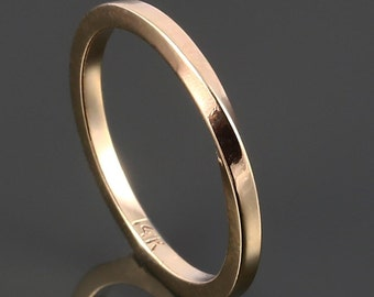 Solid Gold Möbius Ring. 14K Yellow Gold Ring. Eternity. Infinity Band. MBR04-14KY
