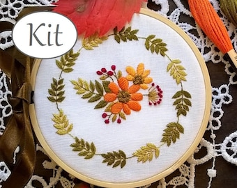 hand embroidery kit, modern embroidery kit, floral wreath hoop art, diy stitching kit, flowers pattern, stitching kit,  sewing kit