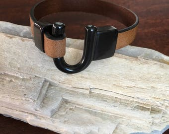 Handmade Leather Cuff With A Horseshoe Clasp RM625