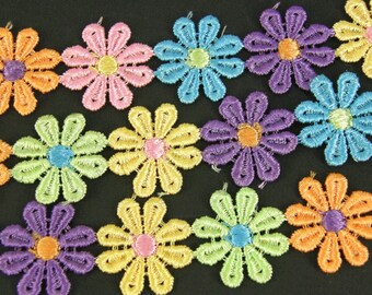 Daisy Lace Trim x 1m Flower Sewing Dressmaking Edging Multi Coloured 28mm LC2
