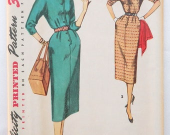 Mid-century Dress Pattern - 1950's Simplicity sewing pattern 4807 size 16; Printed pattern; Sleeves and bodice cut in 1 piece; Slim skirt