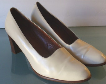 Vintage Made in Italy Bone Coach Shoes Size 10M