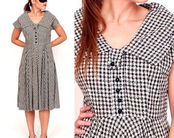 Vintage 1950s Black and White Gingham Polka Dot Fitted Day Dress with Oversized Collar | Medium