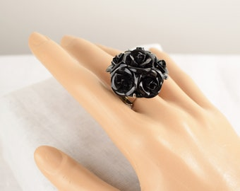 Vintage Black Rose Ring with Stretch Band, Vintage Chunky Ring, One Size, Black Metal Roses, Floral Statement Ring, Large Flower Ring