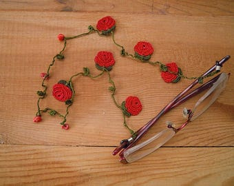 eyeglass chain, red rose, crochet