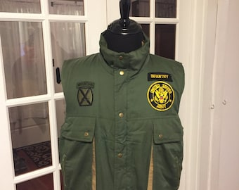Vest US Army patches attached