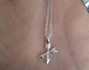 Crossed arrows friendship necklace