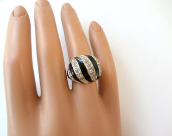 Dome Ring Size 5 Black Crystal Swirl Gold Dome Ring 1970's Black Enamel Rhinestone Vintage Gold Dome Ring Jewelry