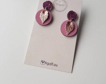 Minimal Leaf Earring - Pink