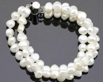 Multi strand pearl bracelet,3 strand pearl bracelet for bridesmaid,pearl charm bracelet,pearl wedding bracelet,natural pearl bracelet bridal