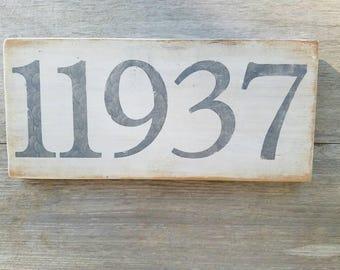 East Hampton zip code sign.