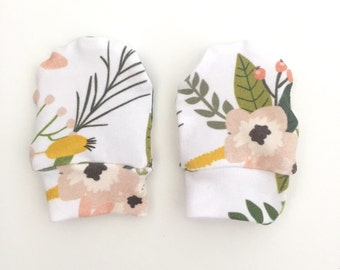 Baby Mittens, Mittens, Newborn Mittens, Baby Gloves - Sprigs and Blooms // IN STOCK - SALE