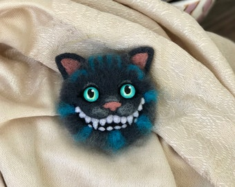 Cheshire cat brooch Felted brooch Cheshire cat pins Needle felted brooch accessory jewelry Alice in Wonderland cat felt brooch