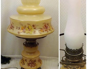 70s Vintage Quoizel Gone with the Wind Hurricane Table Lamp