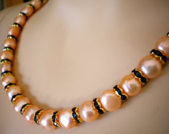 Elegant Necklace with peachy Freshwater Pearls and black Rhinestone Crystals in gold colored Spacers /w Magnet-Closure