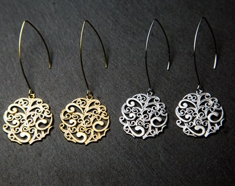 Round earrings, gold. Swirl Earrings. Filigree Earrings.