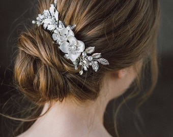 Wedding Hair Comb, Leaf hair comb, Pearl Bridal Hairpiece, Bridal Hair Accessory, Flower Hair Piece, Wedding Headpiece, Bridal Comb- IZABEL
