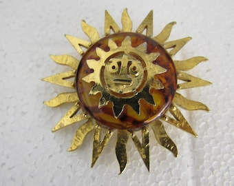 Vintage Lucite or Bakeite Sun Brooch Gold Plated