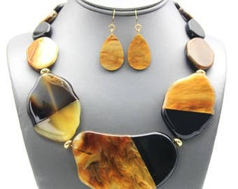 Tortoise Slab Necklace Set