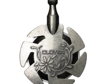 Free UK postage Clover Thread Cutter Pendant Antique Silver CL3106