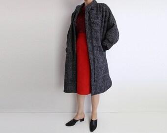 VINTAGE Womens Coat 1980s Tweed Dolman Sleeves Black White Medium Small