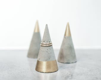 Modern Ring Holder | Concrete | Champagne Gold | Minimalist
