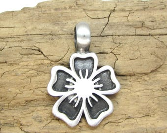 Flower Pendant, 36x25mm Single-Sided Flower Pendant, Jewelry Supplies, Item 115p