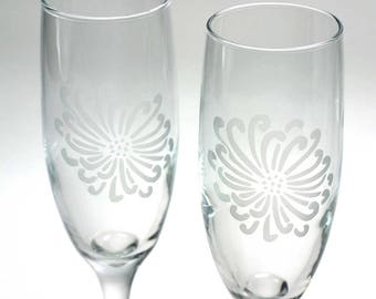 Chrysanthemum Flower Champagne Flutes - Set of 2