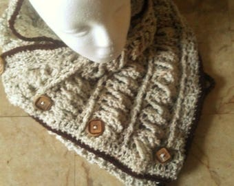 Gwyneth's Cable Button Cowl
