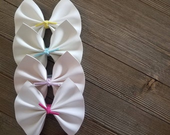 Color changing leather bows