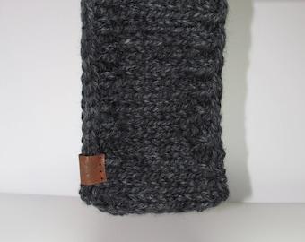the chestnut ear warmer /\ charcoal