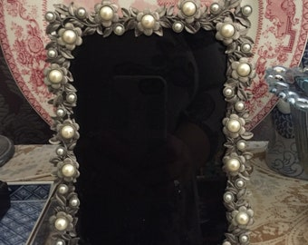 Pearl Flower Scrying Mirror