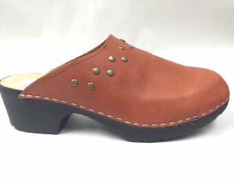 FINAL SALE clog -rust oiled full clog with studs