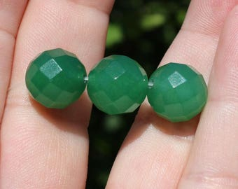 1 Pearl Emerald round faceted 12 mm AA7