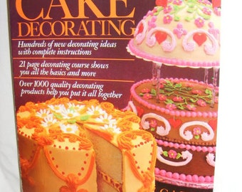 Vintage Wilton Yearbook 1981 Cake Decorating, Birthday, Christmas, Bake, How to Decorate a Cake, Book